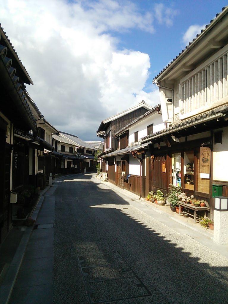 美観地区の古い街並み