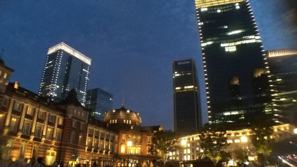 東京駅正面から