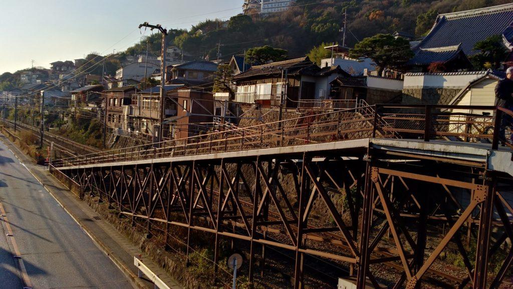尾道・線路と坂