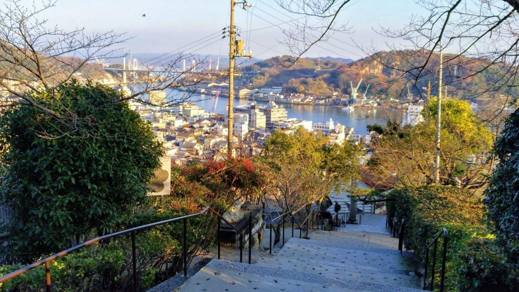 尾道・頂上付近から街を見下ろす