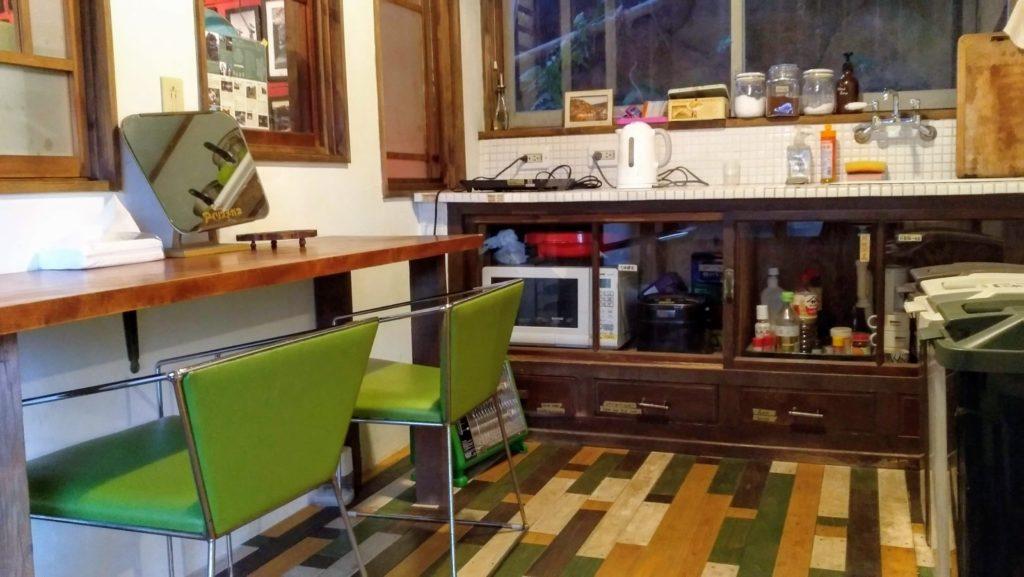 共有スペースのキッチン