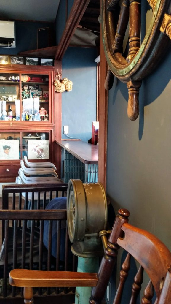 みはらし亭カフェのカウンター席