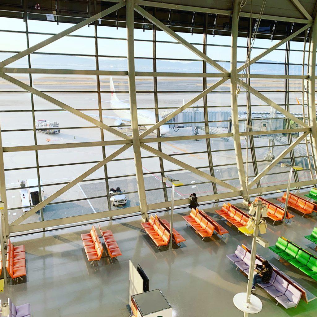 関西国際空港の待合ロビー